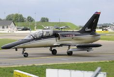 Aero ALCA - twin-seat derivative of the fighter Air Force, Fighter Jets, Trainers, Automobile, Aircraft, Military, Planes, Twin, Tennis