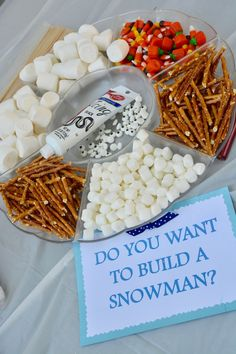 How to Prep the Ultimate Frozen Theme Birthday Party. Here are all the ideas on … How to Prep the Ultimate Frozen Theme Birthday Party. Here are all the ideas on frozen goodie bags, Frozen cupcakes, Frozen birthday party activities and more! Winter Birthday Parties, Frozen Themed Birthday Party, Disney Frozen Birthday, Birthday Party Themes, Frozen Birthday Cupcakes, Frozen Birthday Activities, 4th Birthday, Disney Frozen Cupcakes, Frozen Themed Snacks