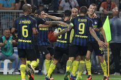 @intermilan1908 I #Neroazzurri si alzano con il #DerbydItalia #9ine