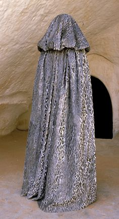 Star Wars Padme Amidala Tatooine Dress with Cloak - Back view