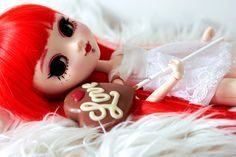 Model: Full Custom Pullip Suiseiseki Name: Sofia Make up: By me Body: SBH-S white Wig: Cancan Eyes: Coolcat Outfit: Outfit selection Happy Valentines Day, Kitty, Dolls, Christmas Ornaments, Holiday Decor, Little Kitty, Baby Dolls, Kitty Cats, Puppet