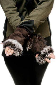Fluffy Troll Hanskat -Ruskea | Cybershop Winter Is Coming, Troll, Autumn Fashion, Bomber Jacket, Fall Fashion, Bomber Jackets