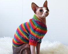 Vêtements de chat pull chat chaud pull en par PurringPyjamas Sphynx Cat Clothes, Pet Clothes, Cat Lover Gifts, Cat Lovers, Pull Chat, Chat Sphynx, Chat Crochet, Crochet Yarn, Yarn Animals