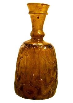 Sasanian-influenced mold-blown glass bottle, dating back to 1000-1200 CE. Chrysler Museum of Art, Norfolk, VA.    Photo by Babylon Chronicle