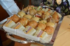 They have little sandwiches, usually various vegetarian ones, tuna, salmon, scallop, shrimp, ham, prosciutto, egg salad, chicken salad and roast beef, are served in trays.  Oolong Owl afternoon tea in Hawaii (6)