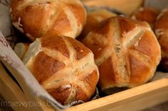 Miss Polish bread and buns so much. Didn't know it's so easy to make them! I have to try it!
