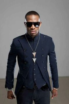 Nigerian pop star D'banj African Men, African Fashion, African Style, Indian Wedding Outfits, Big Sean, Mens Fashion Suits, Dapper, Black Men, Blue Dresses