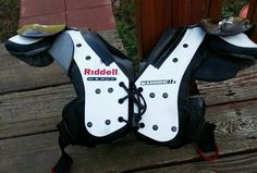 RIDDELL WARRIOR IIx BLACK WHITE YOUTH FOOTBALL SHOULDER PADS MEDIUM 80  12