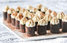 Bocaditos de chocolate y crema de tiramisú - L´Exquisit Small Desserts, Mini Desserts, Cookie Desserts, Party Desserts, Dessert Recipes, Biscuits, Mini Pies, Cake Cookies, Cupcakes