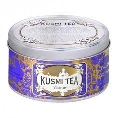 thee met viooltjes van Kusmi Tea, een Russisch familiebedrijf wat nu in Parijs gevestigd is.