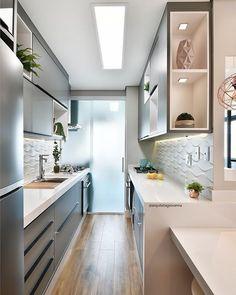 52 veces he visto estas bonitas cocinas rusticas. Kitchen Room Design, Kitchen Cabinet Design, Home Decor Kitchen, Interior Design Kitchen, Kitchen Furniture, New Kitchen, Home Kitchens, Kitchen Backsplash, Cuisines Design