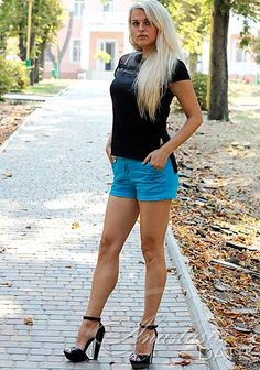 Dating woman Juliya from Odessa, 33 yo, hair color Blond