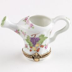 Watering Can - Limoges Boxes this has the two things I love grapes and the fact its an water can...so pretty!!!!