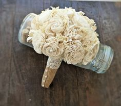 Hey, I found this really awesome Etsy listing at http://www.etsy.com/es/listing/151966574/handmade-wedding-bouquet-small-ivory