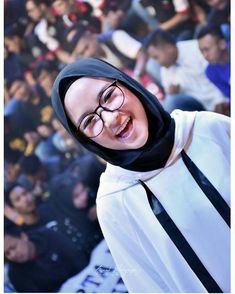 Nissa sabyan Free Mp3 Music Download, Modele Hijab, Hijab Chic, Beautiful Hijab, Galaxy Wallpaper, Hijab Fashion, Eyeglasses, Ootd, Actresses