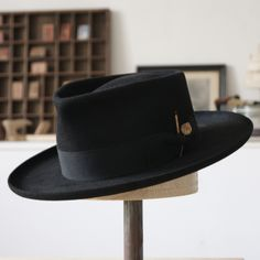 Who The Cap Fit, Hat For Man, Man Hats, Fadora Hats, Gentleman Shoes, Stylish Hats, Mens Gloves, Cool Hats, Mens Caps