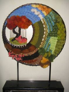 Paper Weaving, Weaving Art, Tapestry Weaving, Loom Weaving, Hand Weaving, Diy Home Crafts, Yarn Crafts, Sewing Crafts, Arts And Crafts