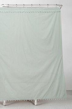 Duschvorhang in Mintgrün mit Bommeln