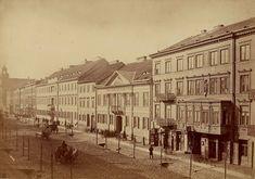 Ulica Leszno w Warszawie, ok. Street in Warsaw, around Old Photographs, Old Photos, W Hotel, Mythological Creatures, Beautiful Buildings, Warsaw, Eastern Europe, Views Album, Poland