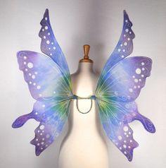 невероятные крылья бабочек для карнавала! Понравилось? Расскажи друзьям! Поддержи нас! Еще интересное:Скалка для любителей котиковОдеялаИдеи для садаПтицы и интерьерНарциссыКувшинки для садового прудаZemanta