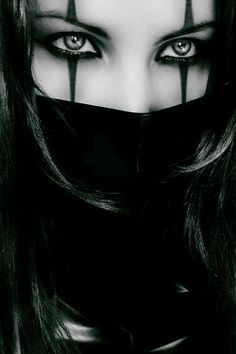 ninja makeup http://fashioninspirationdaily.blogspot.ro/2013/10/stylish-vs-funny-halloween.html