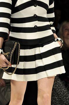 Moschino at Milan Fashion Week Fall 2012 - Details Runway Photos Dali, Cool Outfits, Fashion Outfits, Womens Fashion, Glamorous Chic Life, Black N White, Black Cream, White Fashion, Work Wear