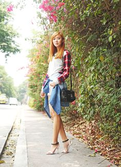 Camille wears grunge style featuring Levi's 501 original denim and plaid. 90s Grunge, Grunge Style, 90s Fashion Grunge, Camille Co, Levis 501, Asian Beauty, Denim Skirt, High Heels, Plaid