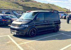 VW - nice all black Volkswagen surf bus… Volkswagen Transporter, T5 Transporter, Vw T5 Tuning, Vw T5 Caravelle, T5 Camper, Retro Surf, Camper Interior, Van Life, Cornwall