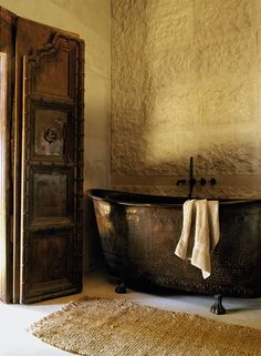 A Historic Farmhouse In Provence With Modern Rustic Interiors Natural Interior, Home Interior, Bathroom Interior, Interior Design, Modern Rustic Interiors, Contemporary Interior, Copper Bath, Hotel Amenities, French Countryside
