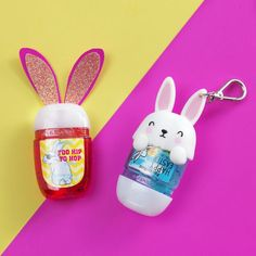 Be the coolest bunny on the block! Be the coolest bunny on the block! Bath N Body Works, Bath And Body, Alcohol En Gel, Galaxy Nail Art, Hydrating Toner, Hand Sanitizer Holder, Face Skin Care, Homemade Skin Care, Beauty Care