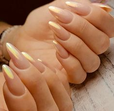 Try some of these designs and give your nails a quick makeover, gallery of unique nail art designs for any season. The best images and creative ideas for your nails. Faded Nails, Gold Nails, Gold Nail Art, Cute Nails, Pretty Nails, Smart Nails, Hair And Nails, My Nails, Uñas Fashion