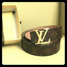 Nice  Belt size 32/42.  Briown Fathets Day. New belt Lv Accessories Belts