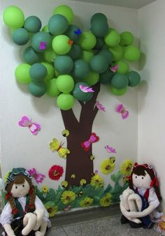 I want a tree. Wish I could have balloons in my room.