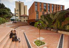 """Espacio """"Público"""" y Centro de Atención Integrada Universidad de Los Andes / Daniel Bonilla Arquitectos"""