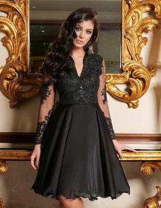 Rochii scurte de ocazie la modă în 2020 - Rochii de ocazie în vogă anul acesta Suit Fashion, Suits For Women, My Style, Satin, Skirts, Sweaters, Woman Suit, Artist, Foxes