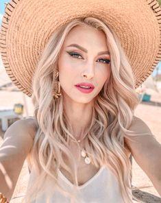 Georgia, Long Hair Styles, Artist, Beauty, Fashion, Beleza, Moda, Long Hairstyle, Artists