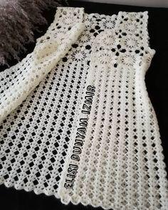 Curtidas, 44 Comentários - ❤Hiva N Gehäkelte - Diy Crafts - DIY & Crafts Crochet Vest Pattern, Crochet Jacket, Crochet Dog Sweater, Crochet Cardigan, Baby Knitting Patterns, Crochet Stitches, Knit Crochet, Crochet Patterns, Baby Cardigan