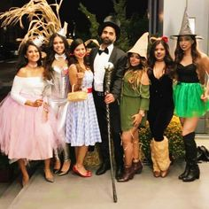 If you and your coworkers want to win the costume contest this year, make a statement and dress up as a group! There are tons of genius, work-appropriate ideas Work Group Halloween Costumes, Group Costumes, Halloween Outfits, Halloween Ideas, Zombie Costumes, Halloween Couples, Homemade Halloween, Family Costumes, Halloween 2017