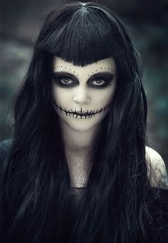 Halloween Makeup For Women – 60 Creepy Makeup Ideas Loading. Halloween Makeup For Women – 60 Creepy Makeup Ideas Halloween Zombie, Diy Halloween Face Paint, Zombie Make Up, Creepy Halloween Makeup, Creepy Makeup, Witch Makeup, Halloween Halloween, Dead Makeup, Women Halloween