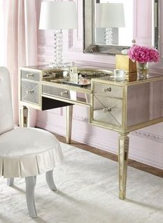 Love the clear drawers. Easy to see makeup