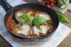 parmigiana di melanzane in padella ocn pomodoro e mozzarella ricetta secondo piatto gustoso facile e veloce