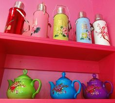 omg!!! i want all these flasks and teapots