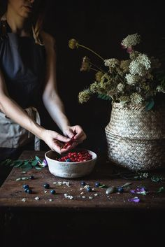 Portfolio Food photography · Frames of sugar - Fotogrammi di zucchero Mousse, Dark Food Photography, Flower Photography, Life Photography, Olive Oil And Vinegar, Acai Berry, Mixed Berries, How To Make Salad, Nutrition Tips