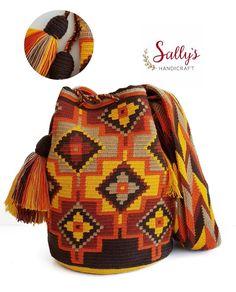 36 отметок «Нравится», 1 комментариев — กระเป๋าวายูแท้100% Wayúu bag (@sallyshandicraft) в Instagram: «Original 100% Double threads high quality wayuu bag. ไหม2เส้น+เบล งานแท้จากวายูคุณภาพเยี่ยม…» Mochila Crochet, Crochet Tote, Filet Crochet, Crotchet Bags, Knitted Bags, Tapestry Bag, Tapestry Crochet, Macrame Bag, Crochet Stitches Patterns