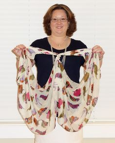 Monica with kika Blog: How to Tie a Scarf Into a Vest (2013 version)#comment-form