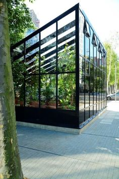 A modern bespoke Hartley Botanic glasshouse situated in London UK Greenhouse Greenhouses Glasshouse Glasshouses Garden Gardens Gardening GardenChat HartleyBotanic # Greenhouse Kitchen, Best Greenhouse, Greenhouse Effect, Backyard Greenhouse, Greenhouse Plans, Homemade Greenhouse, Stardew Valley Greenhouse, Modern Greenhouses, Greenhouse Interiors