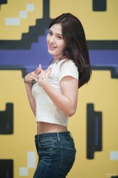 190617 Somi at MBC Idol Radio_ school beauty girls Kpop Girl Groups, Korean Girl Groups, Kpop Girls, Sexy Asian Girls, Beautiful Asian Girls, Beautiful Smile, Cute Girl Pic, Cute Girls, Korean Beauty