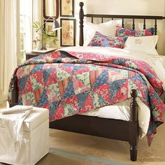Red Rose Garden Quilt Set   Overstock.com Shopping - Great Deals on Quilts and this one...