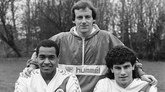 1986. Mark Bright, Steve Coppell and Gary O'Reilly.