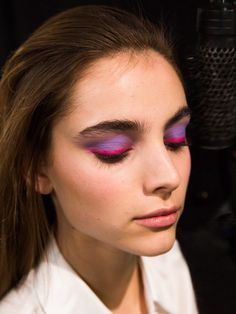 Oscar de la Renta Fall 2017 Rainbow Eye Makeup Beauty Look: Joie de vivre, or the enjoyment of life, was the theme behind Oscar de la Renta's fall 2017 beauty. | Coveteur.com